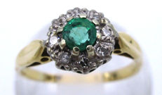 18K Yellow Gold Cluster Ring 1963 - Round Cut Diamonds, 0.35 CT SI1K & natural Emerald, 7mm Ring.