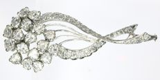 Flower bouquet diamond brooch in white gold - ca. 1960