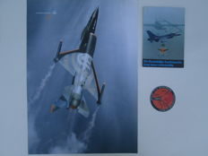 Lot with 13 items of the Dutch Royal Air Force, Vintage, Posters / Brochure