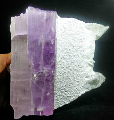 Gemmy Quality Purple color Huge Kunzite Crystal Mineral Specimen - 159x155x86 mm - 2280 Gram