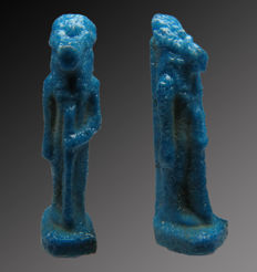 Egyptian faience amulet of Sechmet with staff - 24 mm