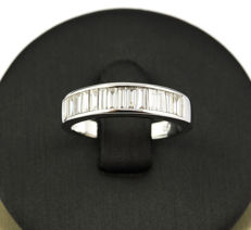 White gold (750/18 kt) – Cocktail ring – Brilliant cut diamonds of 0.80 ct in total – Size 14.5 (SP)
