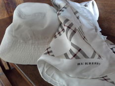 Burberry – Hat and Scarf **No reserve price **