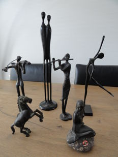Six different bronze statues