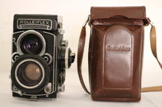 Rolleiflex 7KF with original leather case (1962)