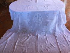 Gorgeous bedspread of peahole unstitched hem 500 and 700