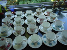 Lot with 18 Bone China porcelain coffee cups and 2 Wedgwood Bone China porcelain espresso cups