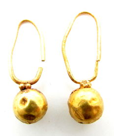 Pair of Viking Gold Earrings  (2)