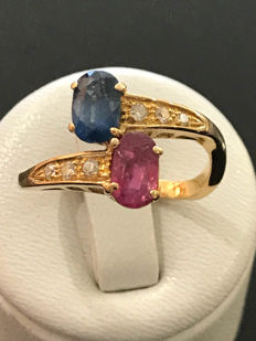 'you and me' ring in gold, diamonds, sapphire and ruby for a total of 2.16 ct; size 57/18 mm