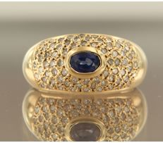 18k yellow gold ring set in the centre with a sapphire and 72 single cut diamonds in entourage, approx. 0.70 carat in total ****NO RESERVE PRICE***