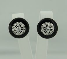 14 kt white gold ear studs set with 26 brilliant and single cut earrings, approx. 0.36 ct in total *** no reserve price ***