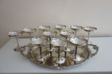 Set of cups in silver plated brass