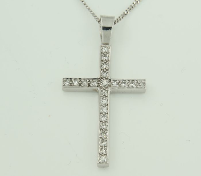 14 kt white gold necklace with a white gold cross pendant set with 22 brilliant cut diamonds, 0.50 ct ****NO RESERVE PRICE****