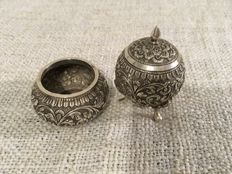 Kutch solid silver salt and pepper set - India - late 19th century
