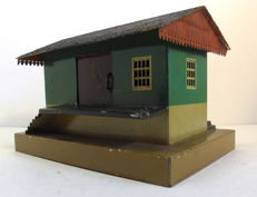 Spoor 0/1 - Märklin - 2107 - Tin goods shed with loading docks on both sides (approx. 1930)