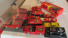Divers - Scale 1/18-1/43 - Lot with 29 models: 29 x Ferrari
