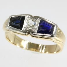 Unisex Art Deco diamond and sapphires ring, anno 1920