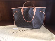 Louis Vuitton – Neverfull bag