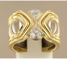 Bi-colour 18 kt gold ring set with six brilliant cut diamonds of approx. 0.24 ct in total, ring size 17.5 (55)