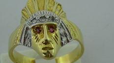 18 kt bicolour men's ring in the shape of an American Indian