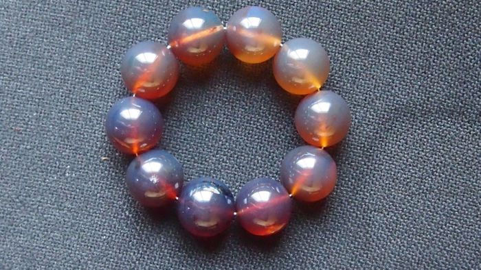 Blue Sumatra Amber fluorescent beaded bracelet, untreated 79 grams,  no reserve