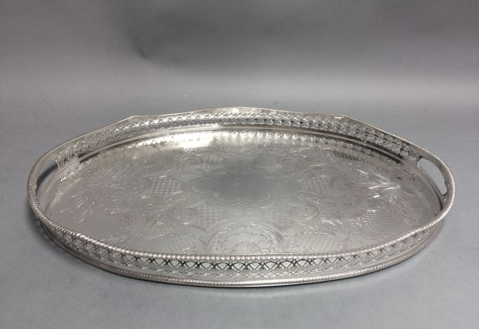 Large silver plated oval tray with upright openwork rim, so called gallery - Sheffield, England - around 1910