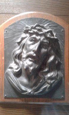 Bronze sculpture Christ