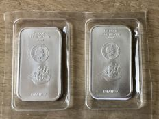 2 pcs 1 ounce silver ingots Cook Island in seal with certificate.