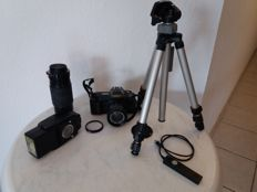 Canon T70 complete with accessories 5 pieces