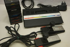 Atari 2600 - Video Computer System - PAL - With 8 games.