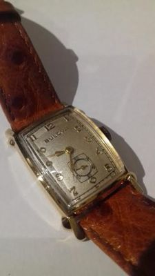 Bulova vintage 14k Gold Rectangle Watch 1949
