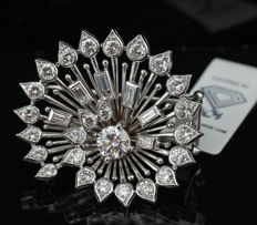 2.60ct. Art-deco Platinum Brooch with Diamonds - IGI Certified