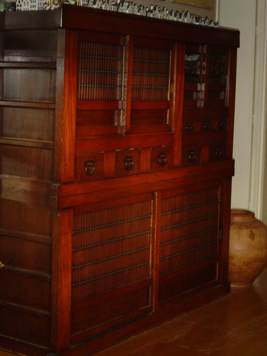 Mizuya kitchen dresser with a Hinoko frame and Keyaki panels – Japan – 1868-1912
