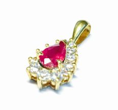 Gold 18kt Pendant with Ruby