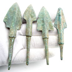 Lot of 4 Large Bronze Age Arrowheads- 80-87 mm (4)