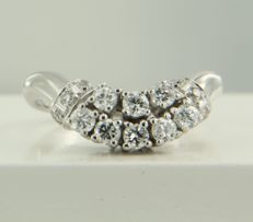 14k white gold ring with 14 brilliant cut diamonds, approx. 0.57 carat in total, ring size 16.25 (51) ***NO RESERVE PRICE***
