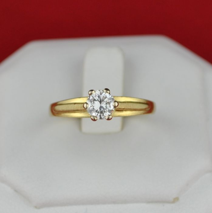 Superb Diamond (0.50ct) Solitaire set on Yellow Gold Engagement Ring - E.U Size 54/55 (17.25mm) resizable