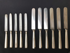 11 knives by Chrsitofle, France. 6 dinner and 5 starter. Early / Mid Twentieth Century