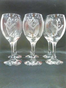 Set of 6 wine glasses with Masonic square and compass