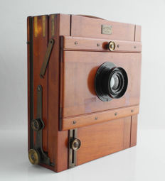Lamperti & Garbagnati Milano: wooden travel camera large format (ca 13x18cm)