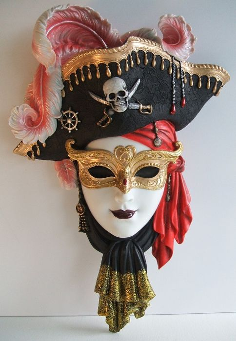 Venice Deco Mask White Pirate