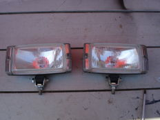 Two nice BOSCH SPOTLIGHTS with a width of 175 mm from the 1980s and 1990s.