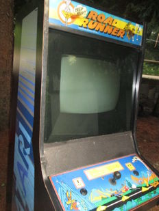 Atari Road Runner arcade cabinet from 1985