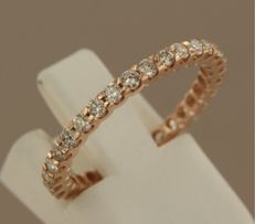 14 kt rose gold full eternity ring set with 30 brilliant-cut diamonds, approximately 0.85 carat in total ****NO RESERVE PRICE****
