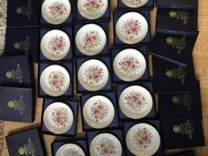 Estate clearance job lot of 24x 1940's boxed Royal Worcester