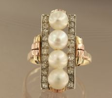 14 kt tricolour gold ring set with 4 freshwater pearls and 22 Bolshevik cut diamonds, in total approx. 0.80 carat, ring size 17.25 (54)