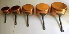 Set of five tinned copper pots LES CUIVRES DE FAUCOGNEY