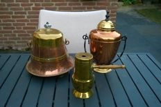 Copper incl. 2 extinguishing pits; 1 heavy antique old Dutch skirt model- copper- circa 1900 and 1 extinguishing pot Tiel made in Holland Rio.