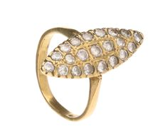 18 kt yellow gold marquise ring, set with 21 brilliant cut diamonds, 0.87 ct in total. Ring size 16 mm.