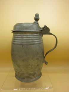 Pewter beer mug in barrel shape with acorn valve cover-German, late 18th century